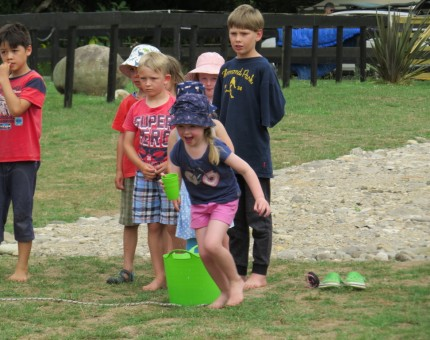 Children's Water Relay, New Year's games